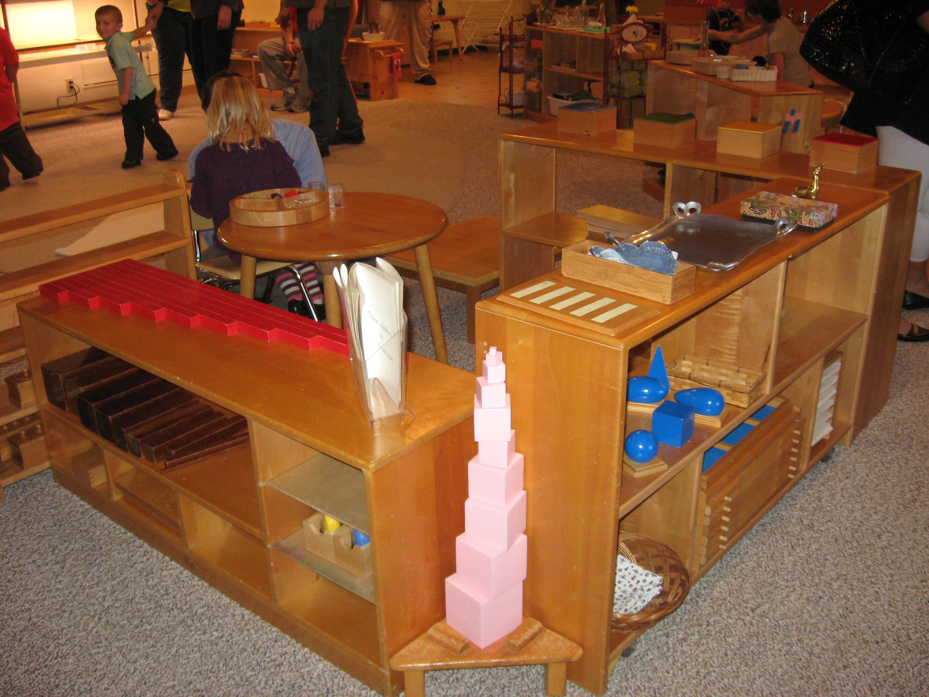 Maria montessori napkinwriter for Children s material