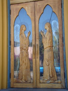 angels-in-a-doorway-2