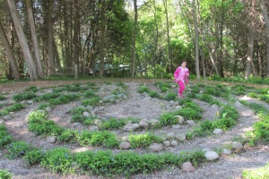 Another Labyrinth, Grama