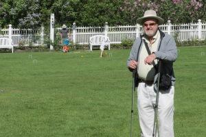 Walking buddy in the Grand Hotel Gardens